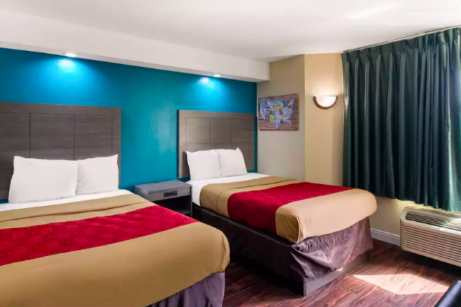 EconoLodge Inn & Suites Richardson-Dallas