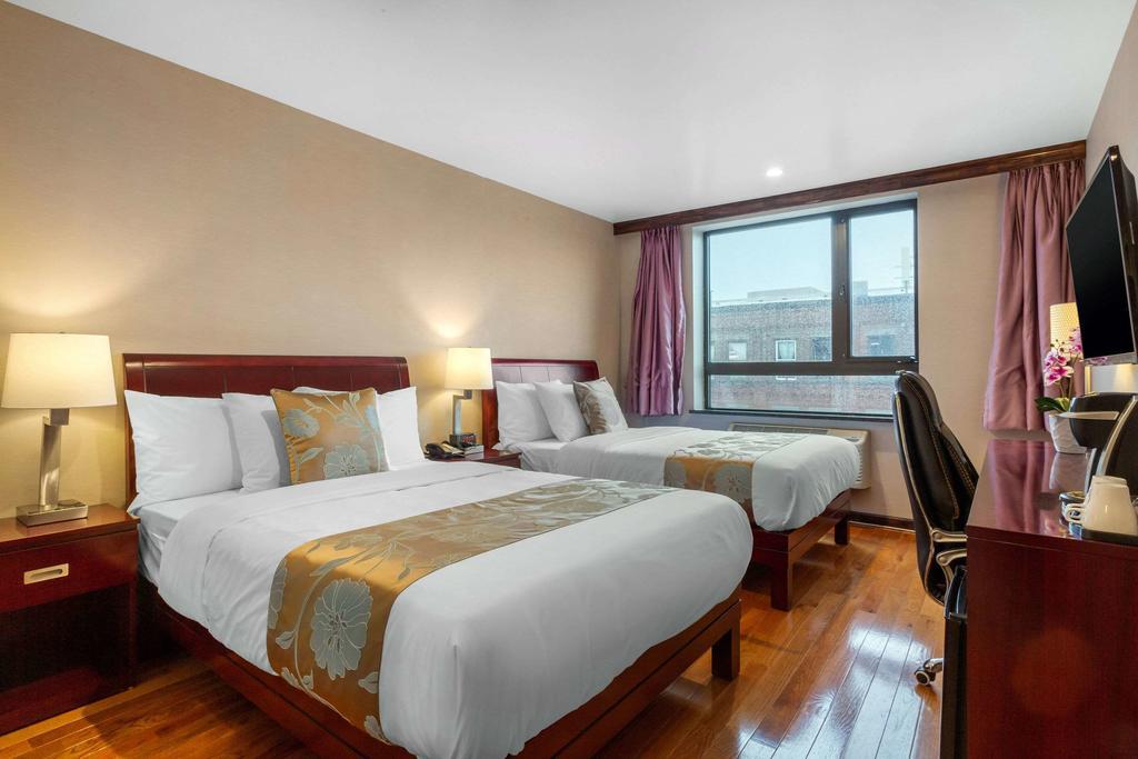 https://www.hotelsbyday.com/_data/default-hotel_image/2/12520/179099658.jpg