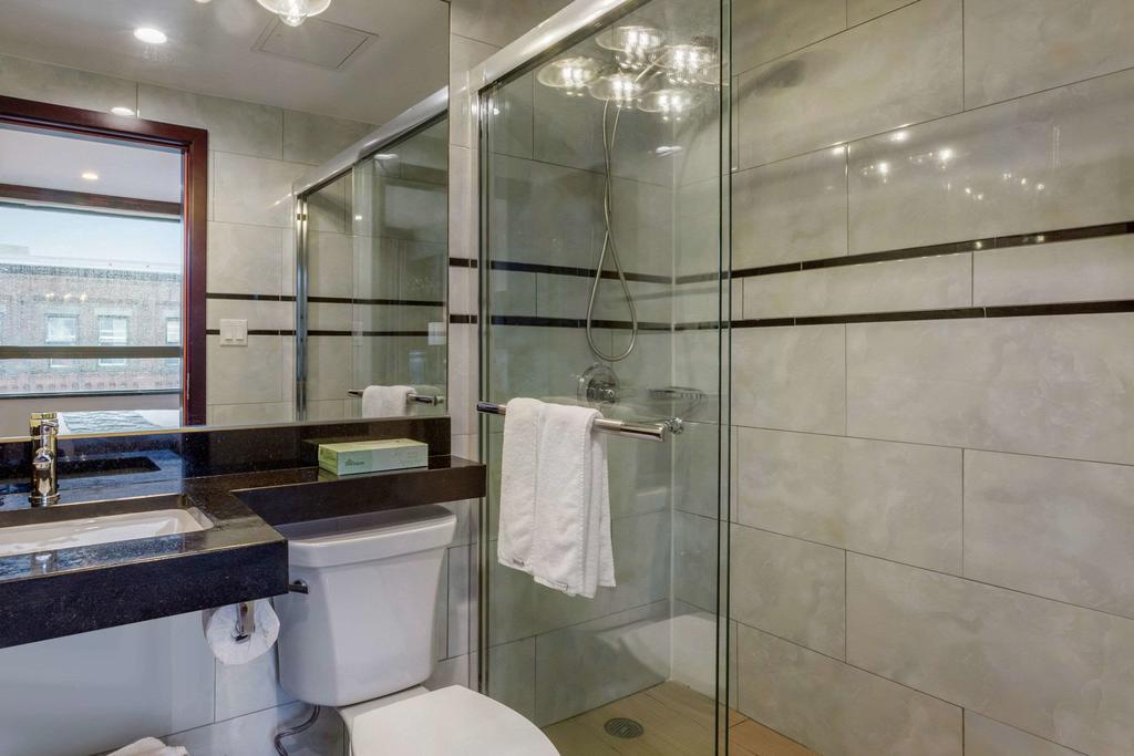 https://www.hotelsbyday.com/_data/default-hotel_image/2/12523/179099805.jpg