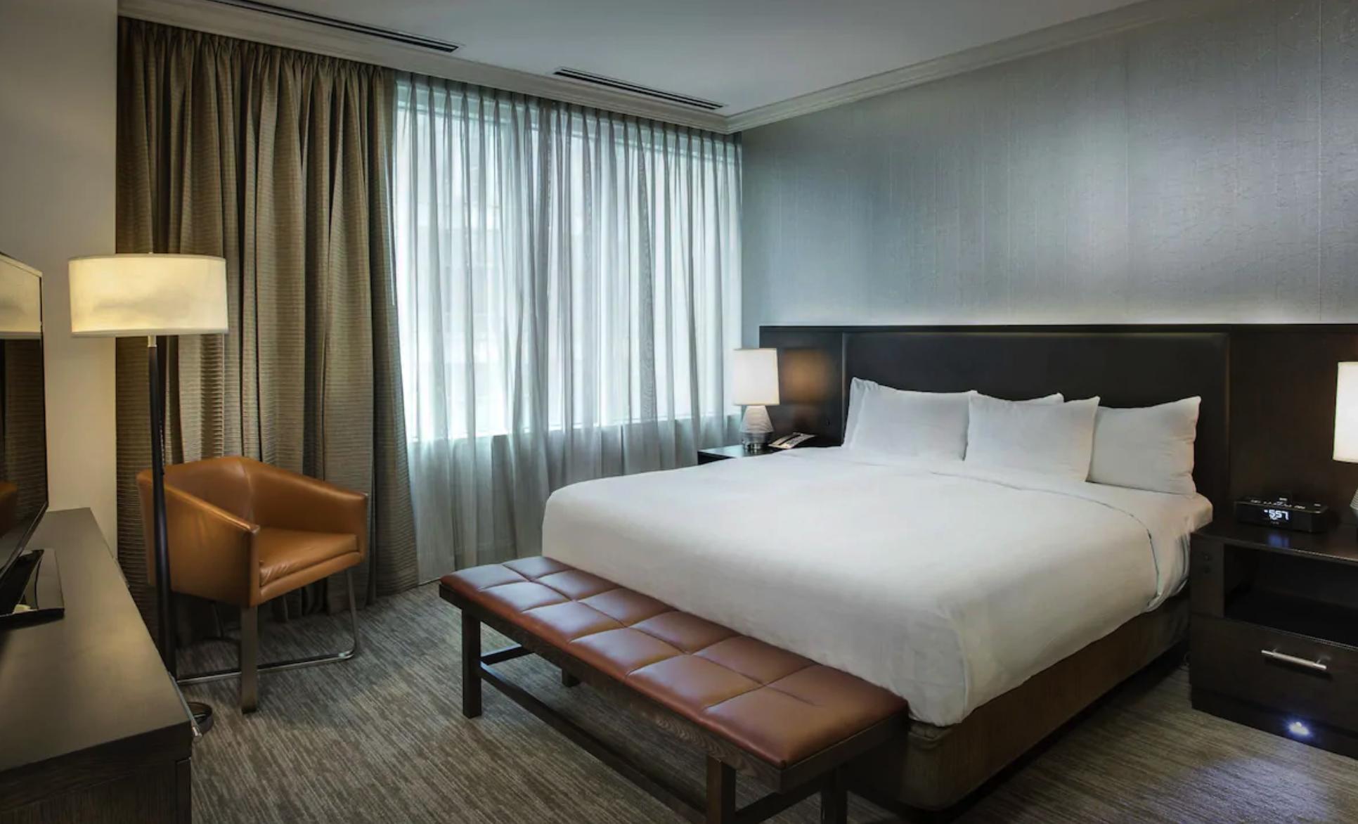https://www.hotelsbyday.com/_data/default-hotel_image/2/12566/screenshot-2019-06-18-at-14-19-14.png