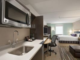 Hotel Home2 Suites Philadelphia Convention Center image