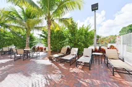 Cambria Suites Airport South & Cruise Port, Dania Beach