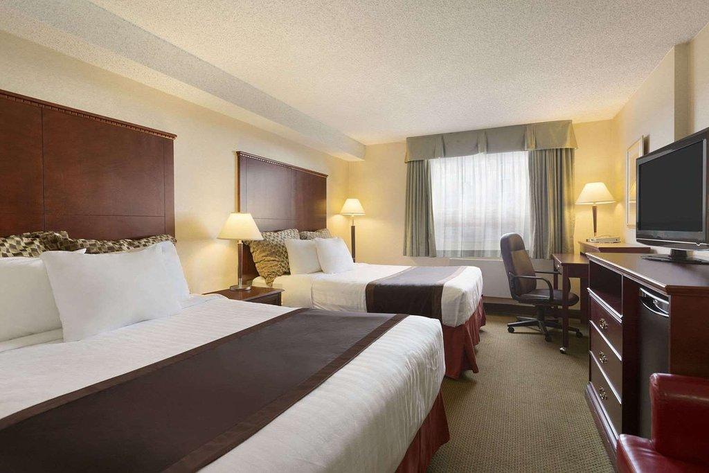 https://www.hotelsbyday.com/_data/default-hotel_image/2/12905/double-double.jpg