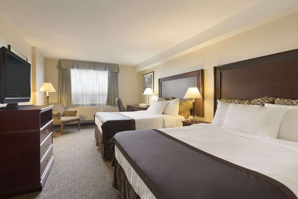 https://www.hotelsbyday.com/_data/default-hotel_image/2/12907/double-room.jpg