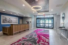 https://www.hotelsbyday.com/_data/default-hotel_image/2/12970/lobby.jpg