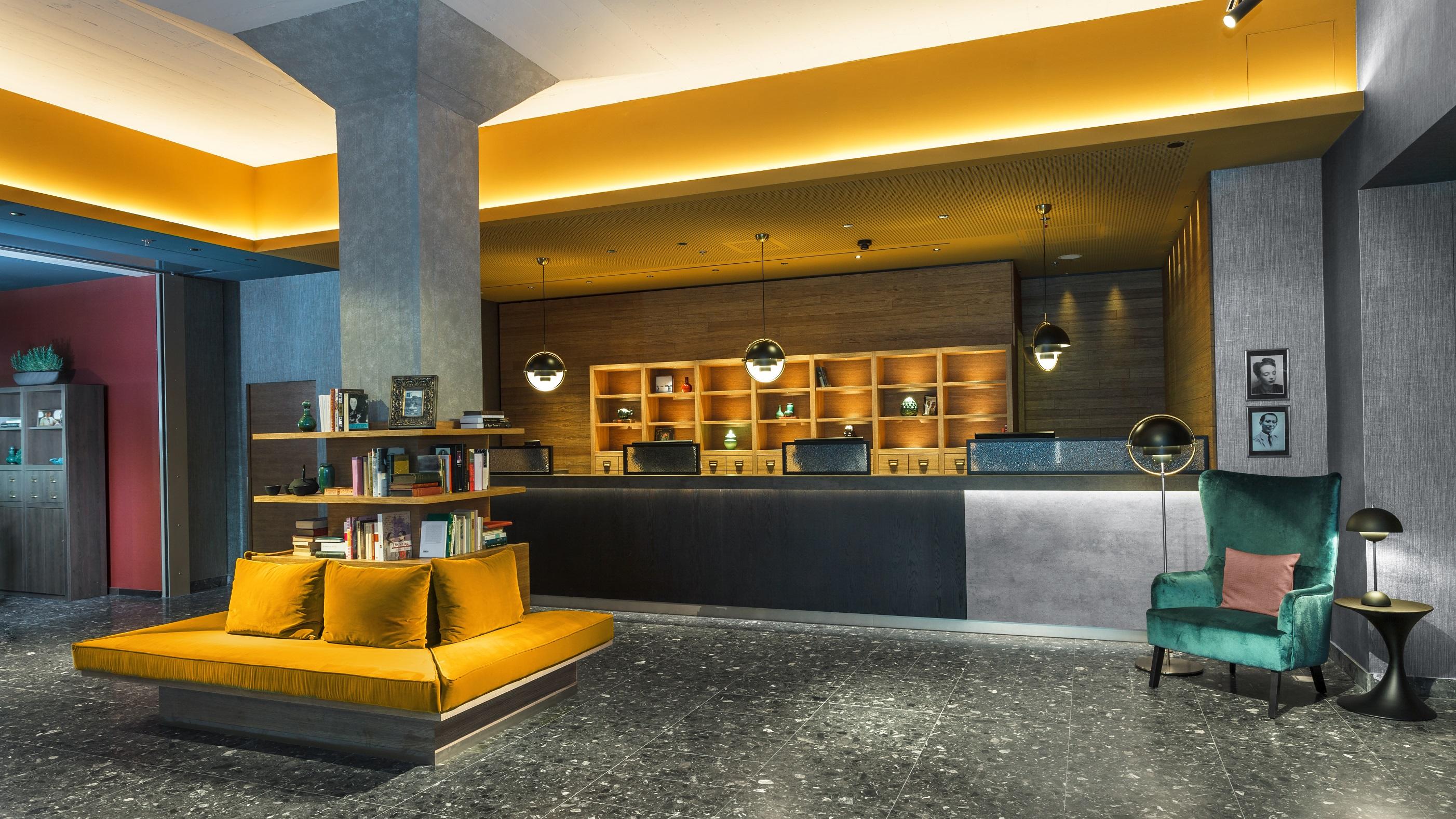 https://www.hotelsbyday.com/_data/default-hotel_image/2/12998/zrhfp-lobby.jpg