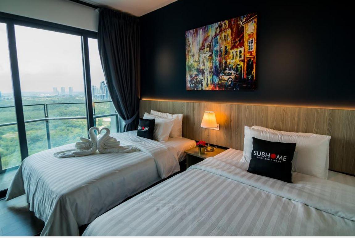 https://www.hotelsbyday.com/_data/default-hotel_image/2/13033/1.jpg