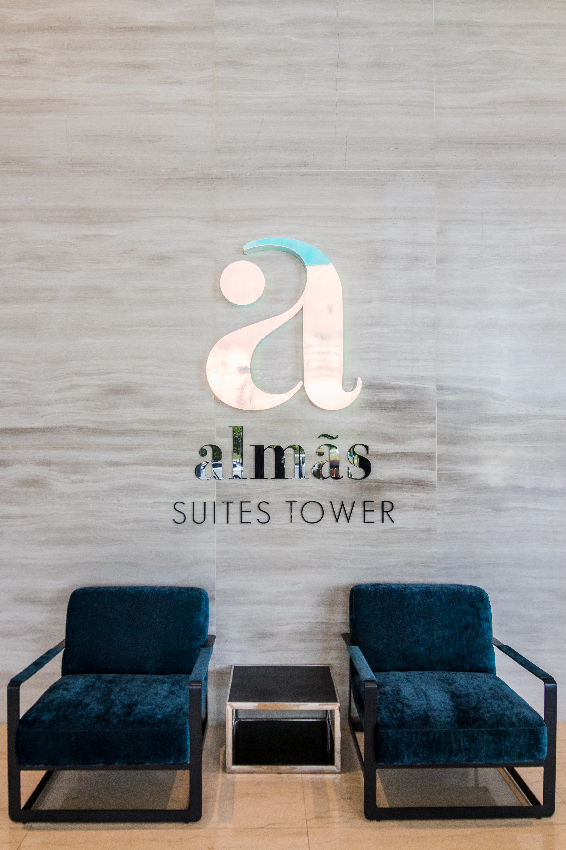https://www.hotelsbyday.com/_data/default-hotel_image/2/13054/img-0603.jpg
