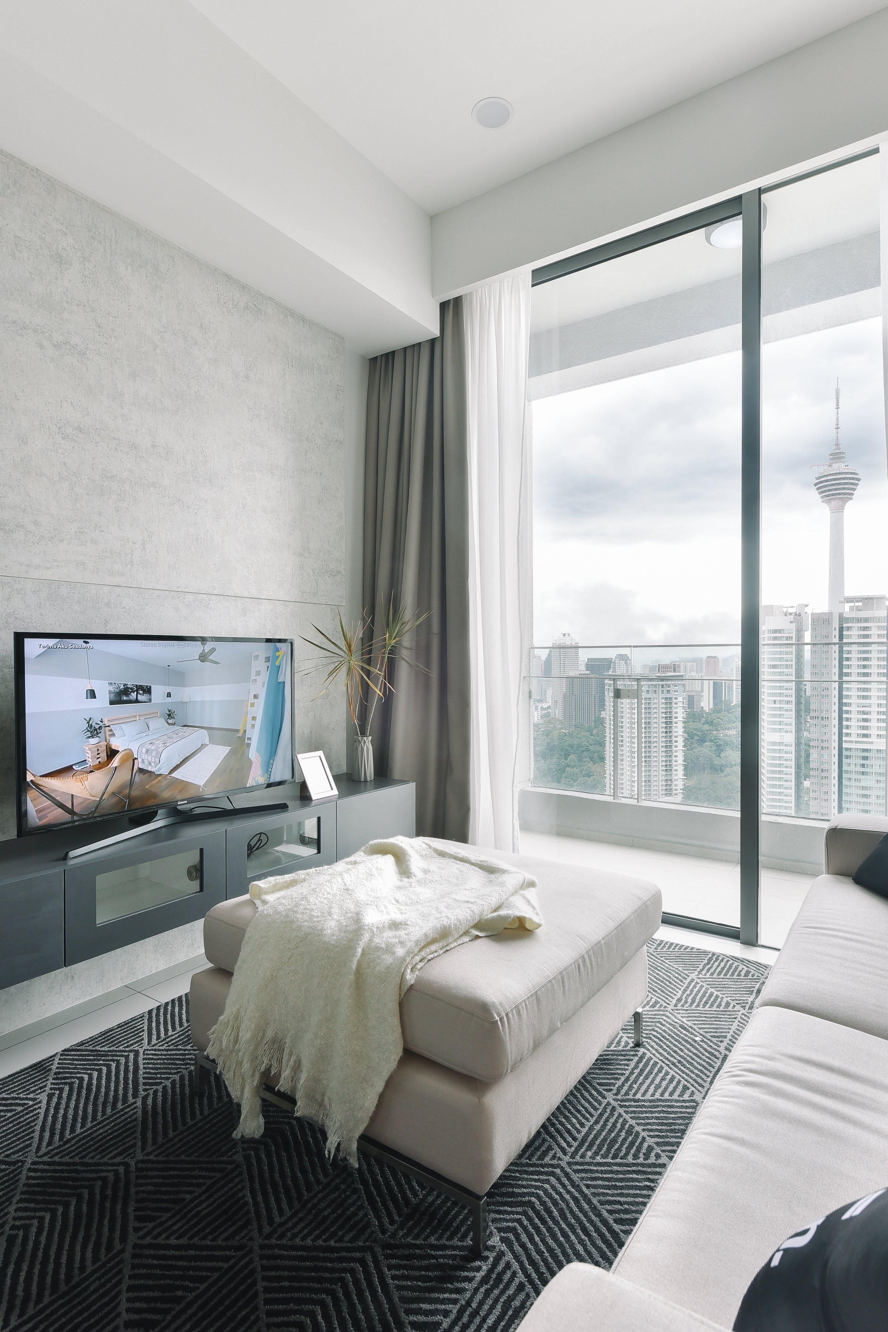 https://www.hotelsbyday.com/_data/default-hotel_image/2/13071/asp-0547.jpg