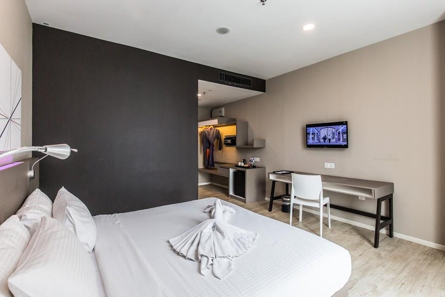 https://www.hotelsbyday.com/_data/default-hotel_image/2/13073/qliq-83-2p9a0162.jpg