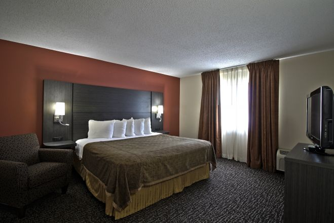 Chicago Club Inn & Suites