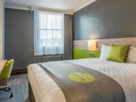 Hotel Thistle Express London, Luton image