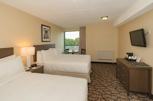 https://www.hotelsbyday.com/_data/default-hotel_image/2/13263/1117700-7.jpg