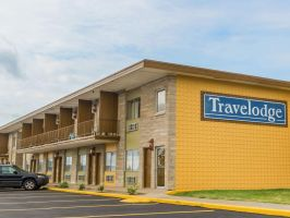 Hotel Travelodge By Wyndham Bloomington image