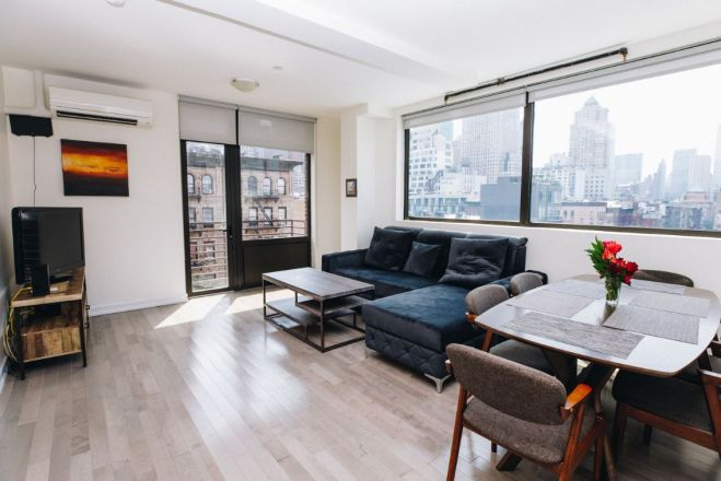 Large Apartment, Midtown - Fits 5