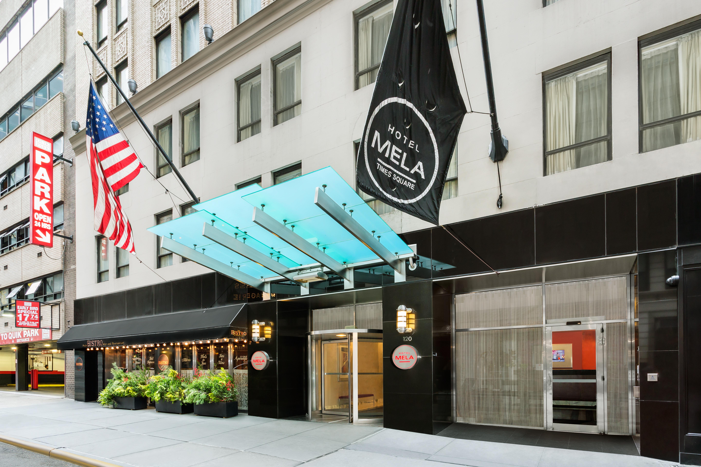 https://www.hotelsbyday.com/_data/default-hotel_image/2/13902/hotel-mela-front-entrance.jpg