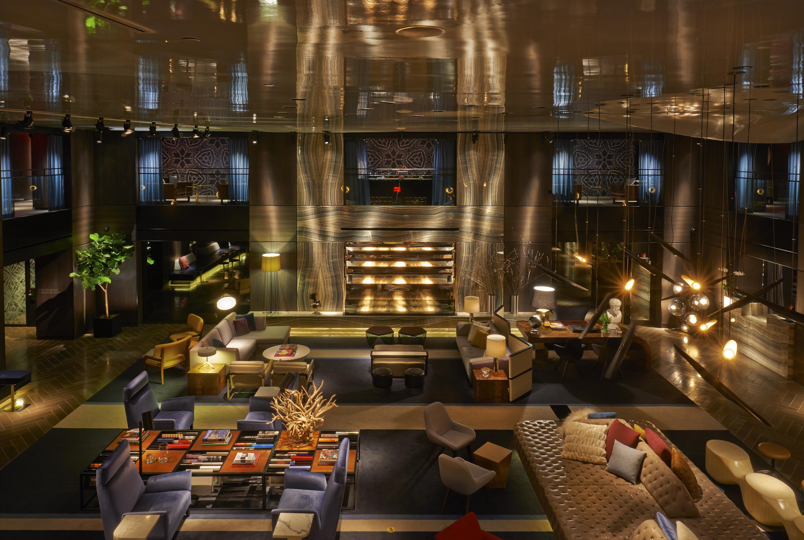 https://www.hotelsbyday.com/_data/default-hotel_image/2/13919/lobby.jpg