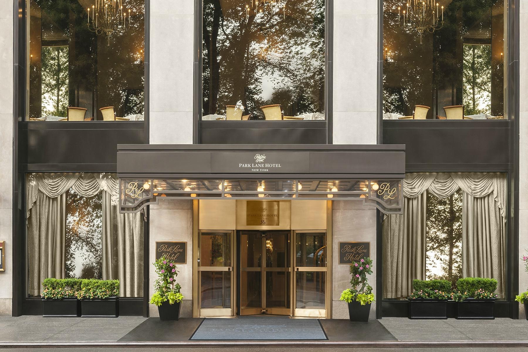 https://www.hotelsbyday.com/_data/default-hotel_image/2/14754/park-lane-hotel-4.jpg