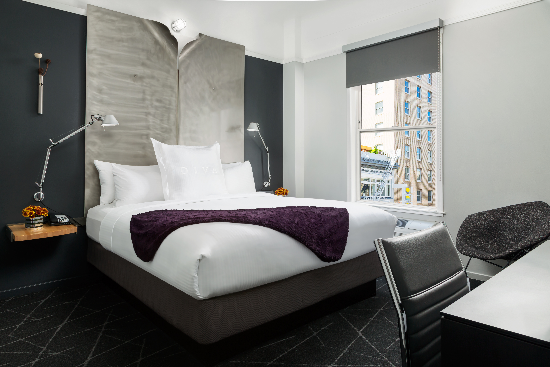 https://www.hotelsbyday.com/_data/default-hotel_image/2/14789/diva-king-1-day.jpg