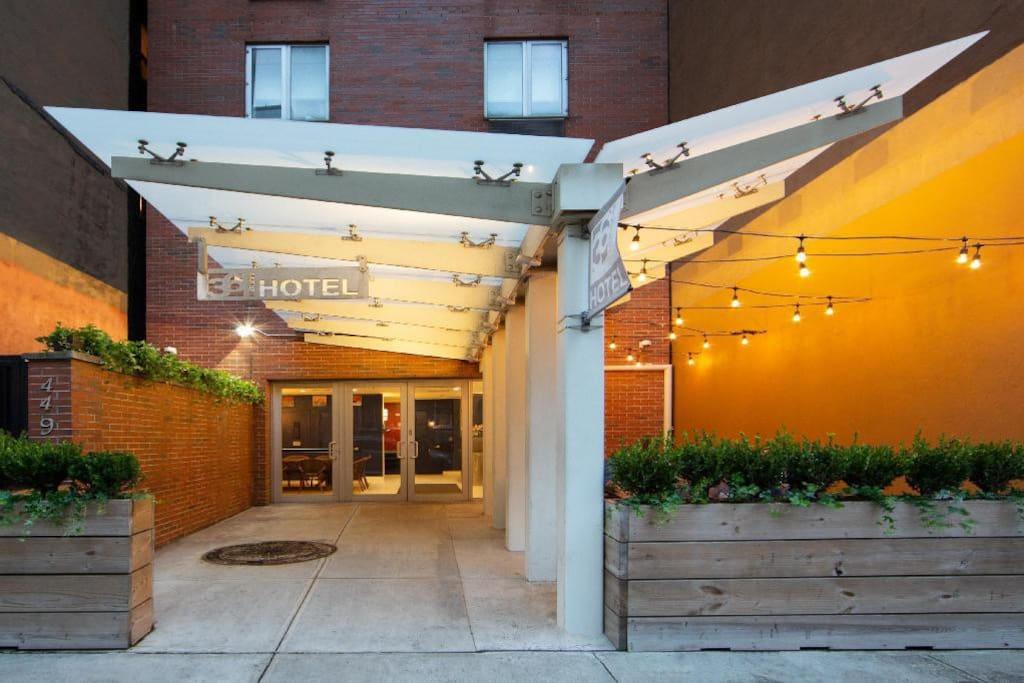 https://www.hotelsbyday.com/_data/default-hotel_image/2/14803/a7feb924-a6a5-411b-b40e-0f174473235f.jpg