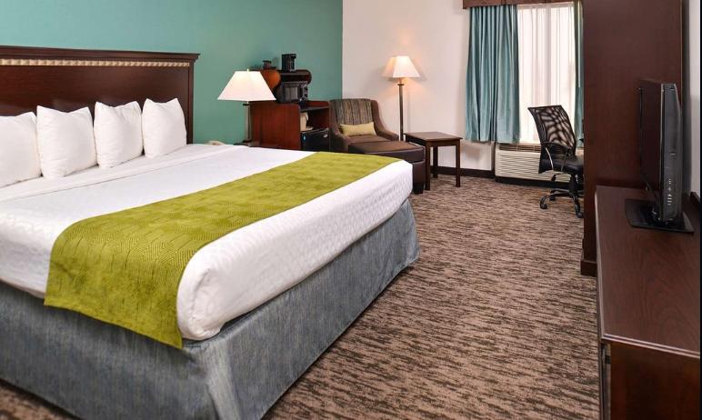 https://www.hotelsbyday.com/_data/default-hotel_image/2/14813/bwhotel.png