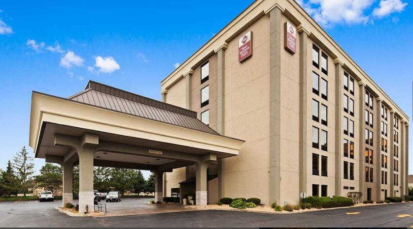 https://www.hotelsbyday.com/_data/default-hotel_image/2/14815/bwh3.png