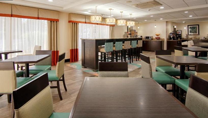 https://www.hotelsbyday.com/_data/default-hotel_image/2/14816/333.png