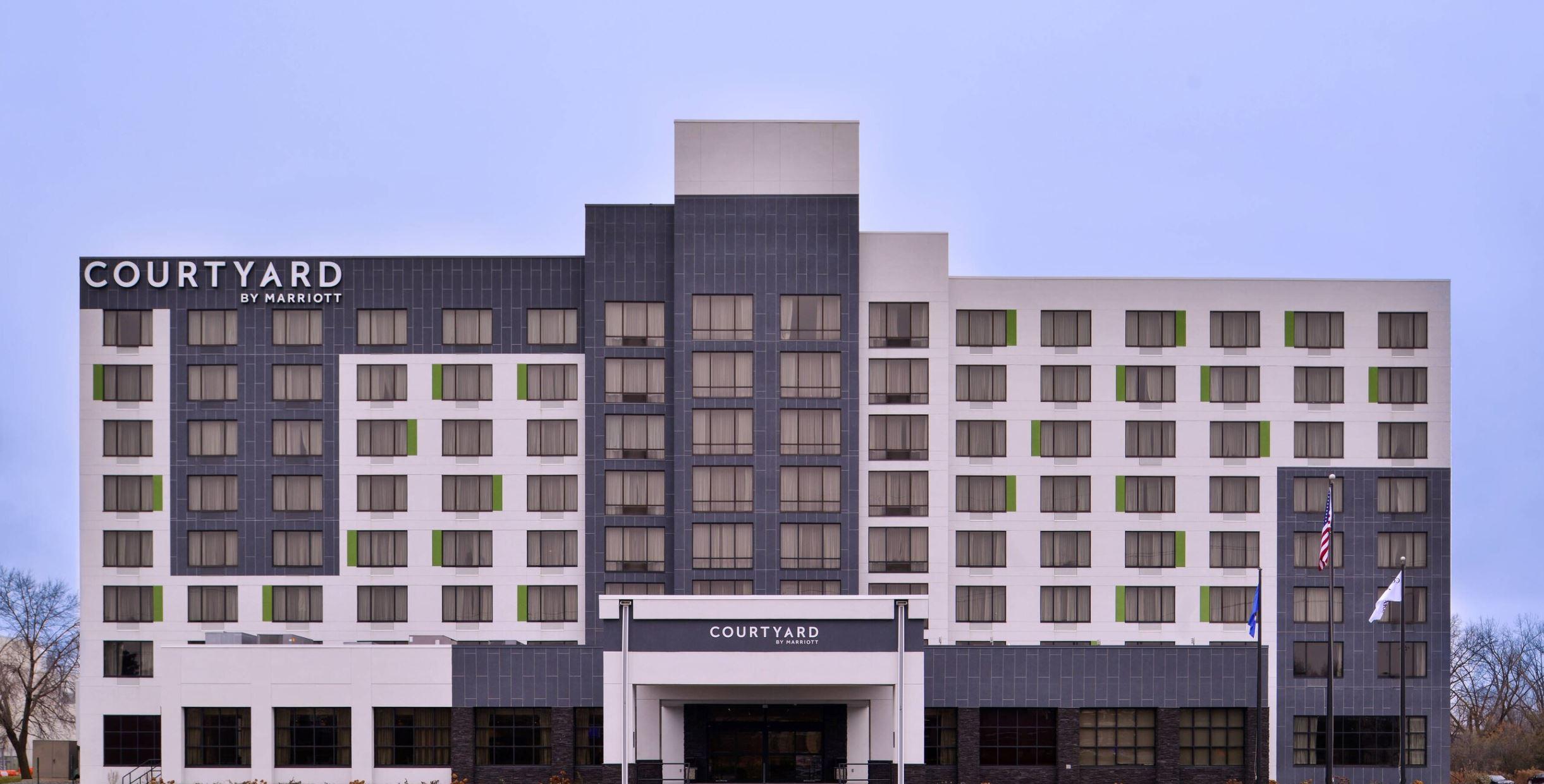 https://www.hotelsbyday.com/_data/default-hotel_image/2/14885/2.jpg