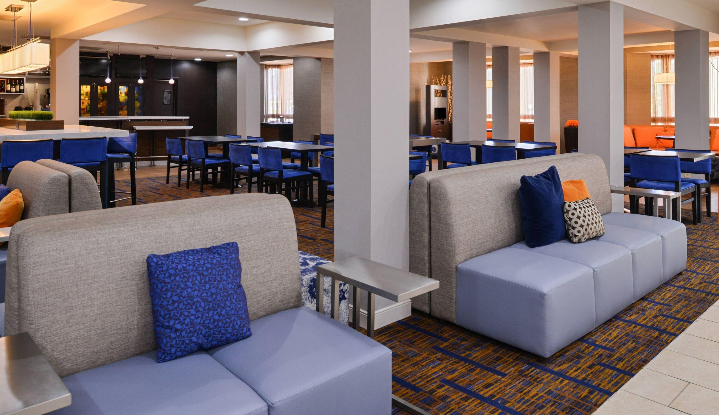 https://www.hotelsbyday.com/_data/default-hotel_image/2/14904/7.jpg