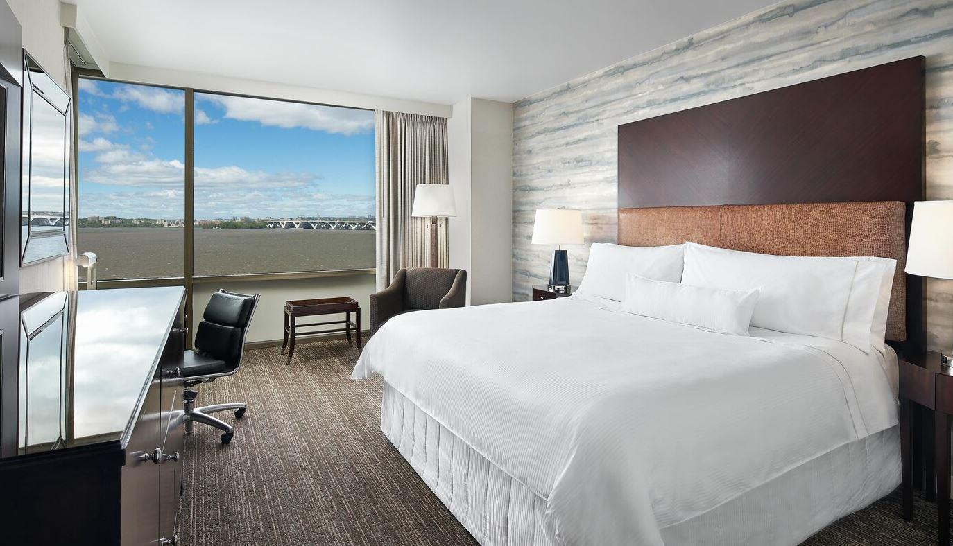 https://www.hotelsbyday.com/_data/default-hotel_image/2/14963/westin3.jpg