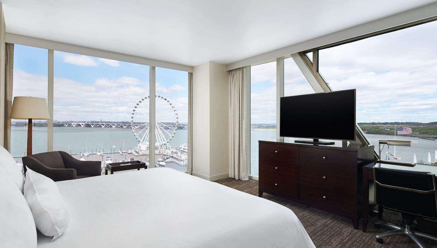https://www.hotelsbyday.com/_data/default-hotel_image/2/14964/westin8.jpg