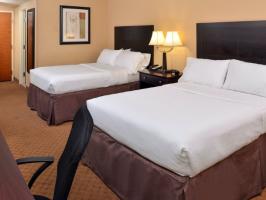 Hotel Holiday Inn Martinsburg image