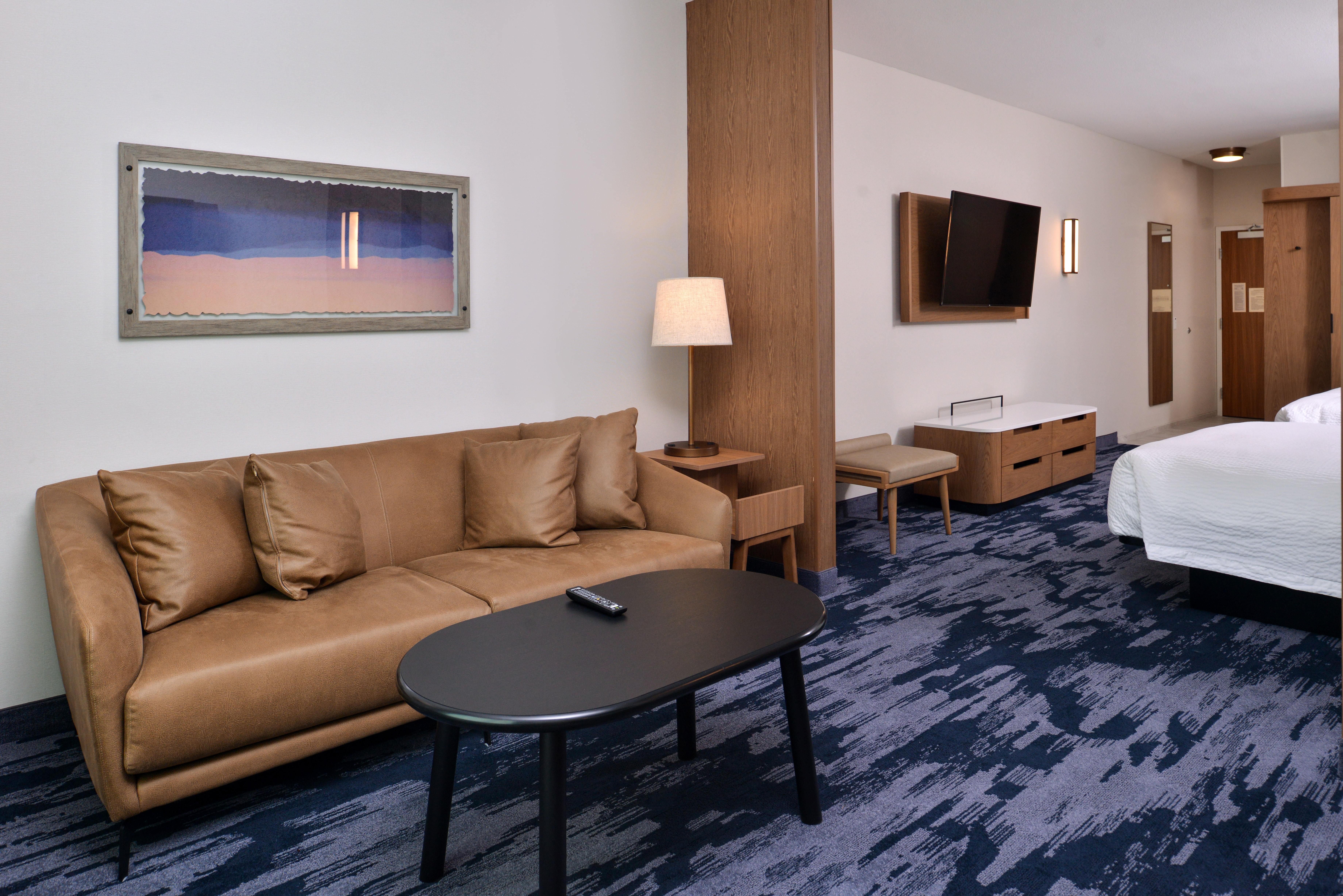 https://www.hotelsbyday.com/_data/default-hotel_image/3/15066/fis-mspfk-2queensuit-bgyhe.jpg
