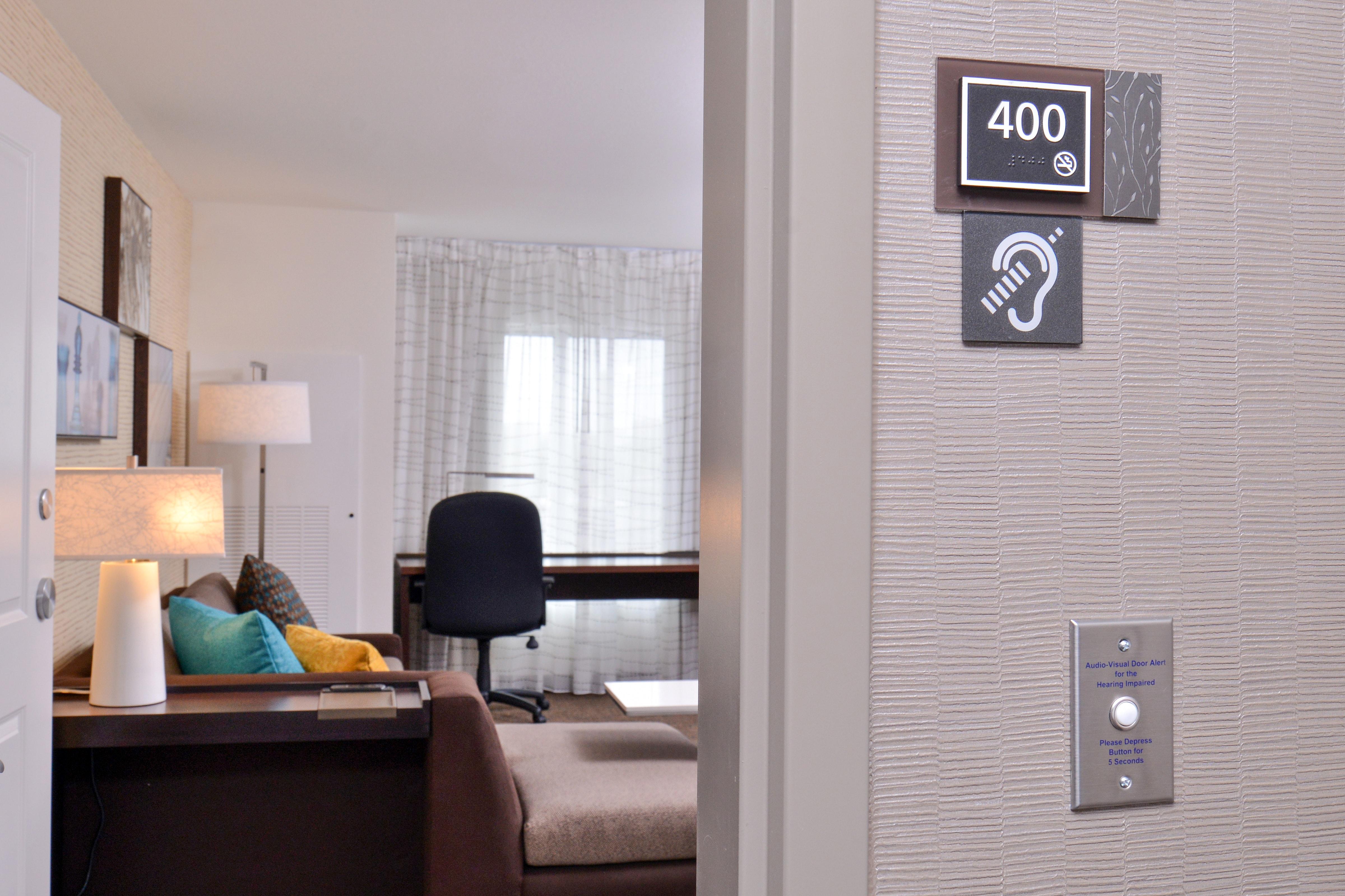 https://www.hotelsbyday.com/_data/default-hotel_image/3/15307/ri-cidcs-hearingimpa-ttpgl.jpg