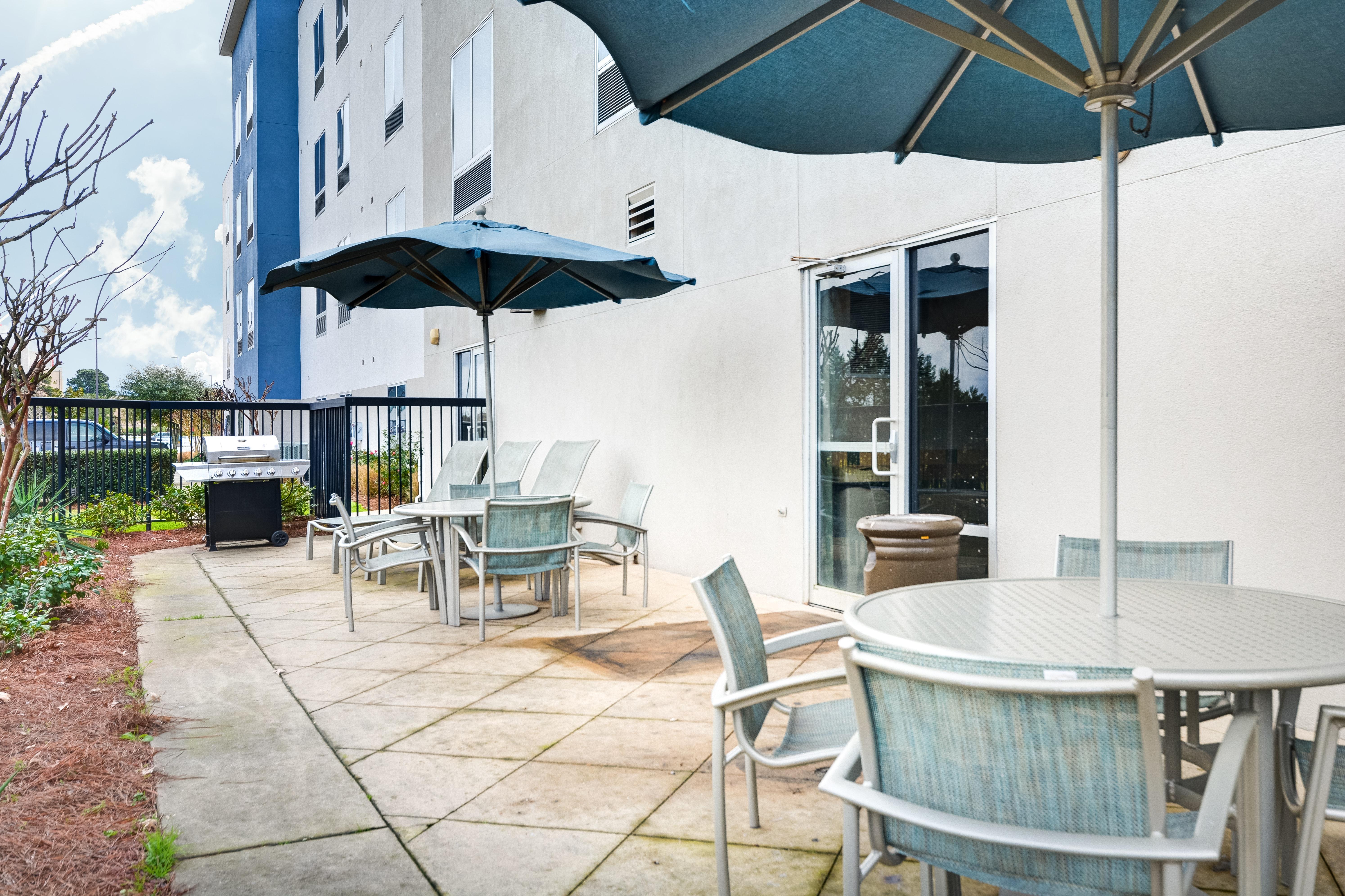 https://www.hotelsbyday.com/_data/default-hotel_image/3/15435/springhill-suites-bo-bk6bq.jpg