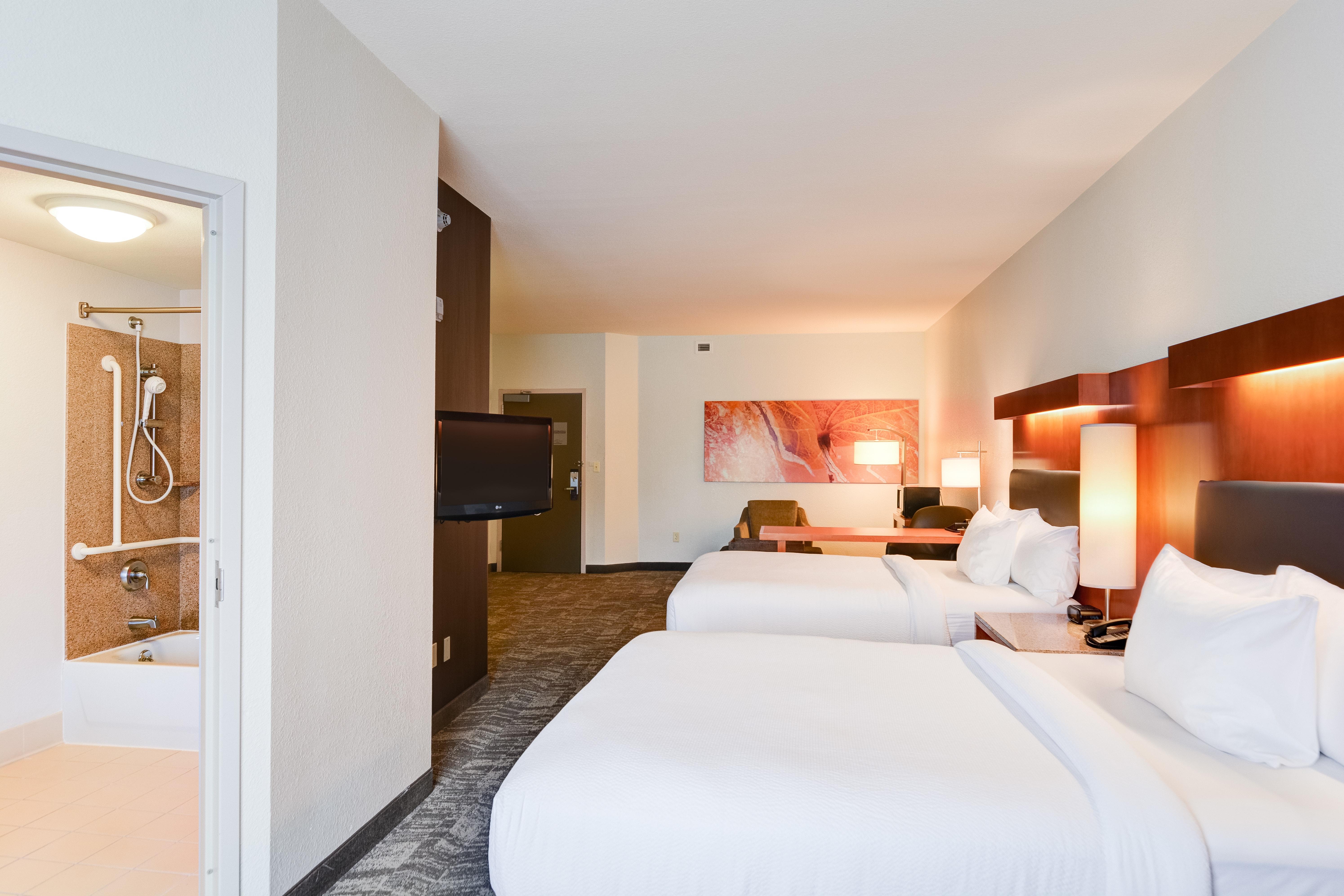 https://www.hotelsbyday.com/_data/default-hotel_image/3/15449/springhill-suites-bo-mglxf.jpg
