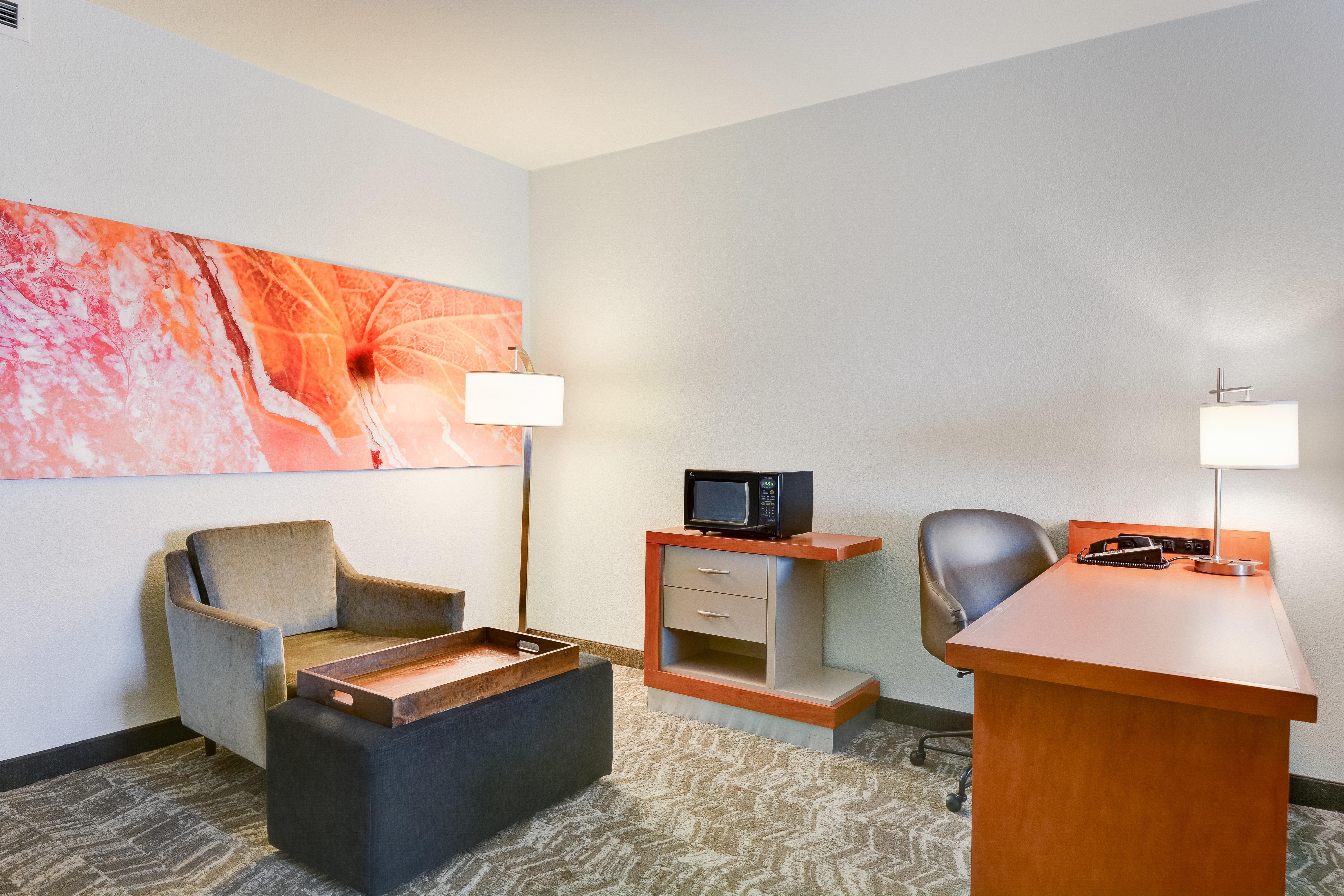 https://www.hotelsbyday.com/_data/default-hotel_image/3/15450/springhill-suites-bo-mdbpz.jpg
