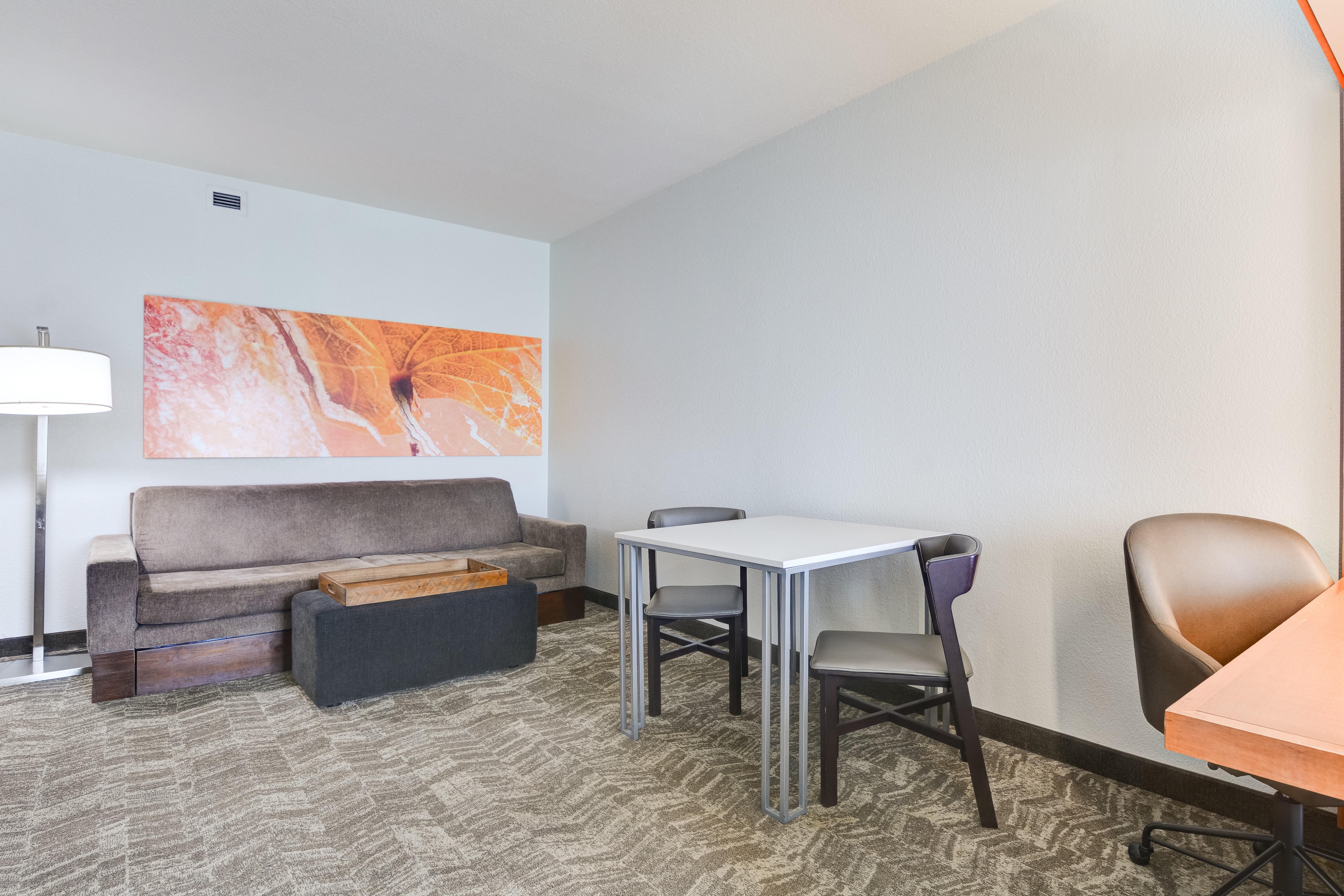 https://www.hotelsbyday.com/_data/default-hotel_image/3/15451/springhill-suites-bo-mopna.jpg