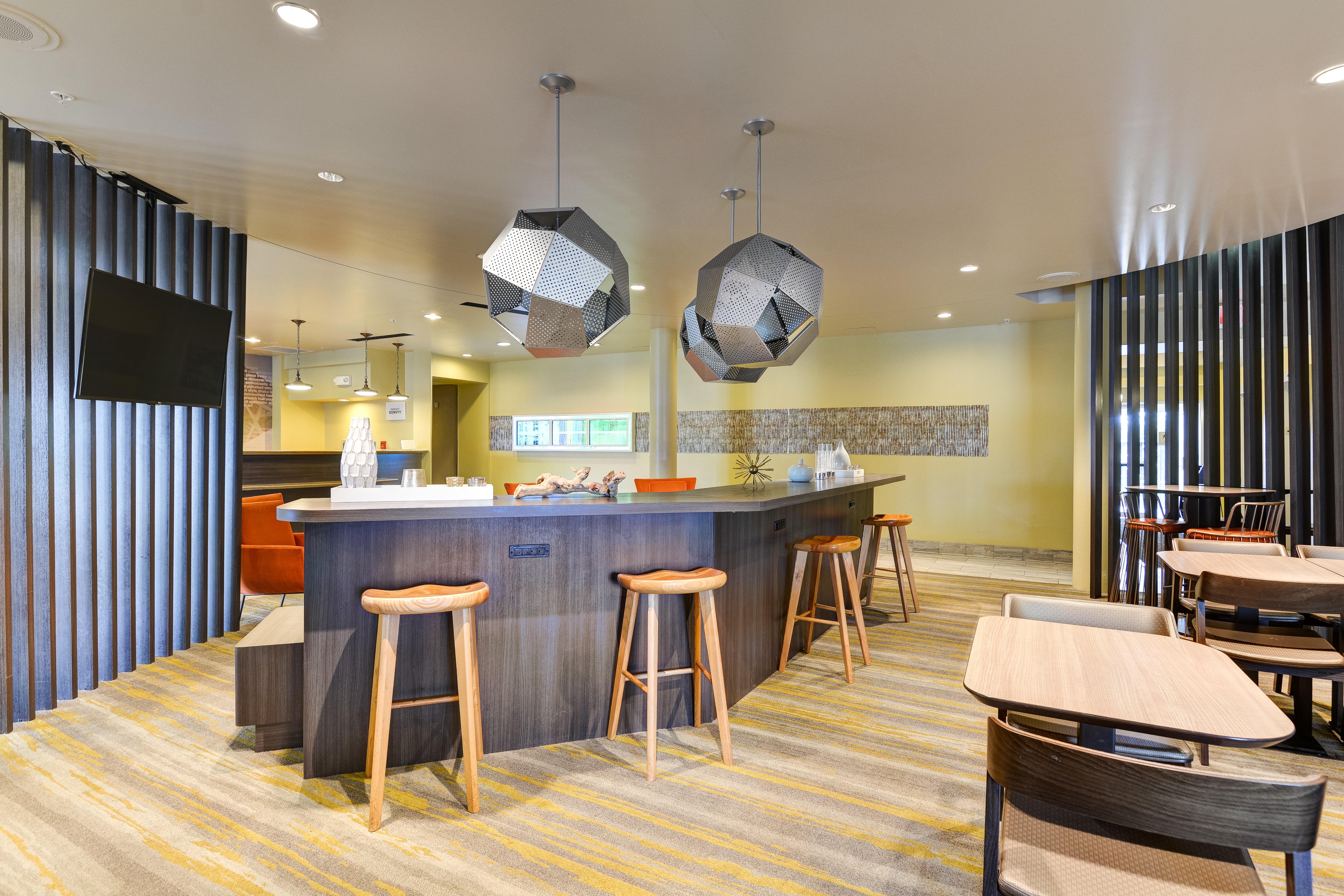 https://www.hotelsbyday.com/_data/default-hotel_image/3/15453/springhill-suites-bo-ndkdz.jpg