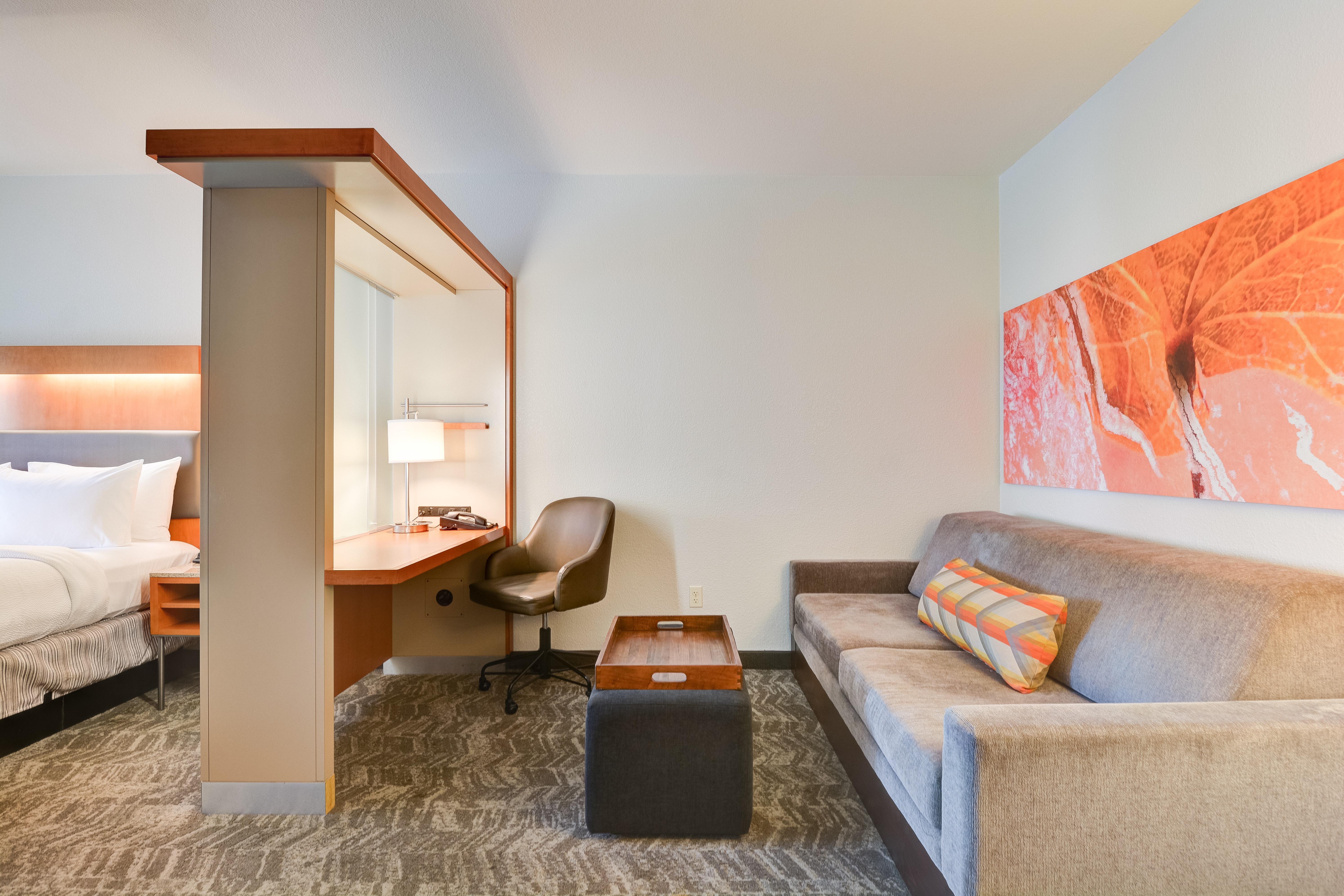 https://www.hotelsbyday.com/_data/default-hotel_image/3/15456/springhill-suites-bo-p8uce.jpg