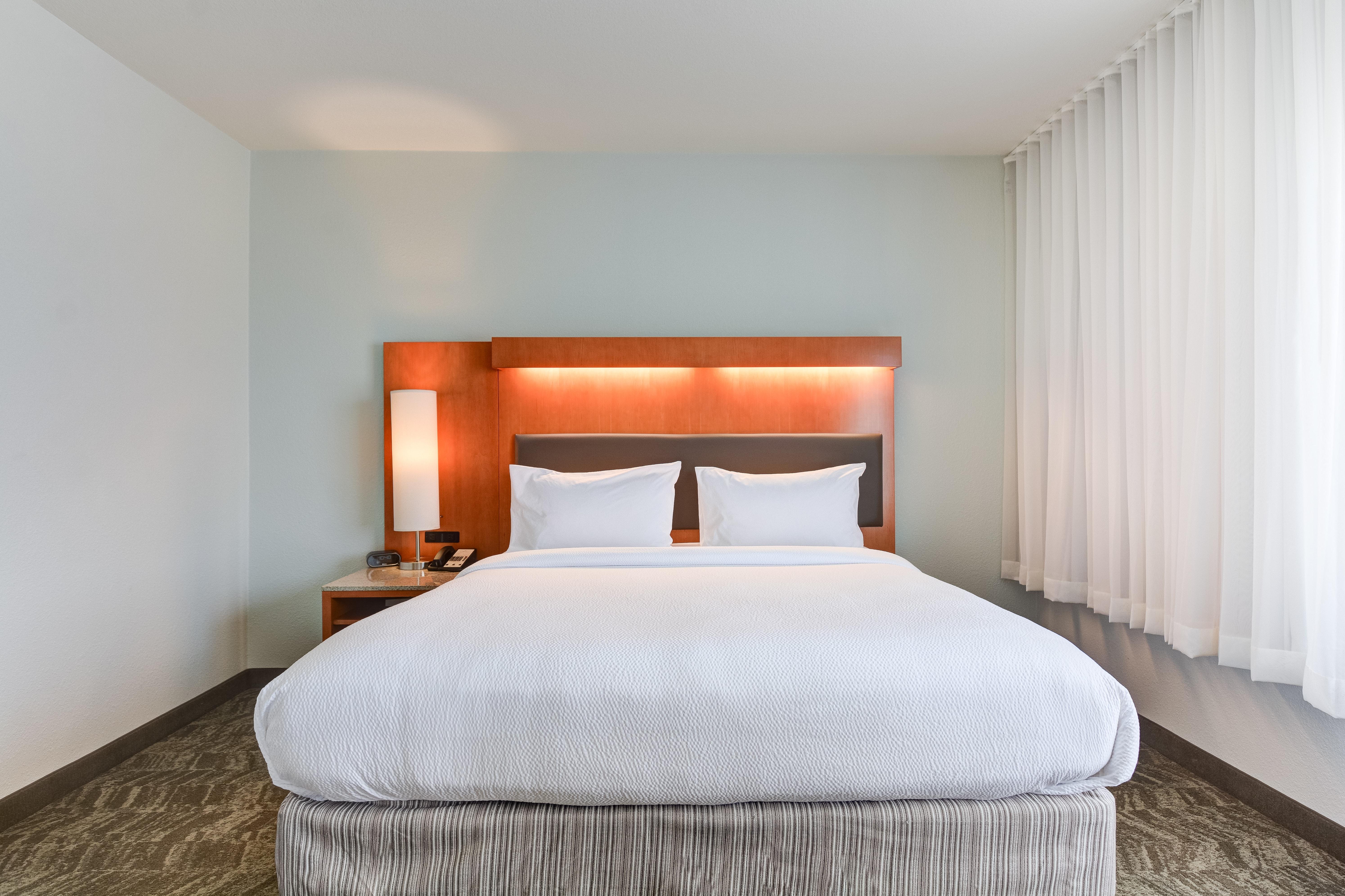 https://www.hotelsbyday.com/_data/default-hotel_image/3/15460/springhill-suites-bo-rsmbh.jpg