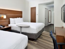 Hotel Holiday  Inn Express New Orleans St. Charles Ave image