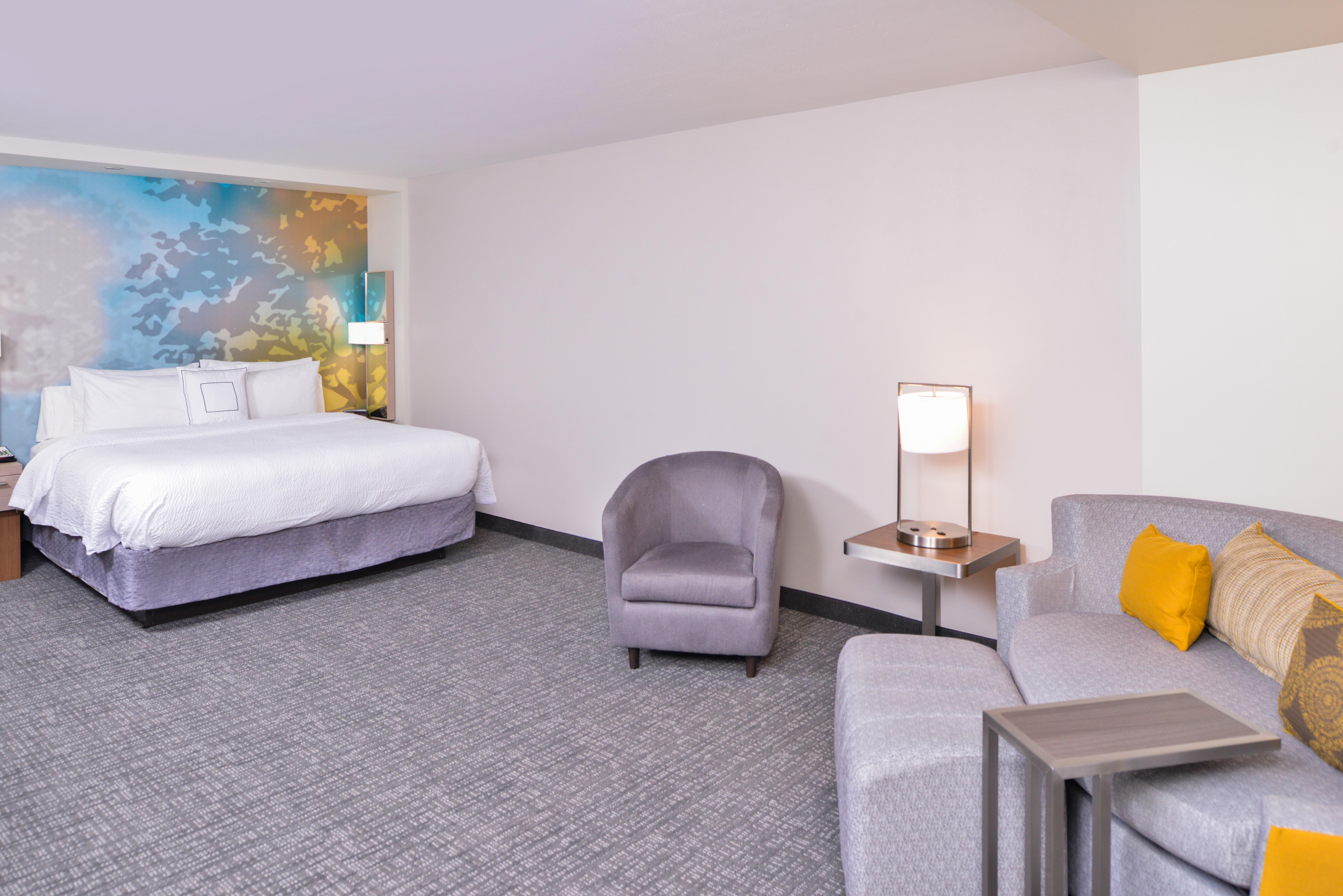 https://www.hotelsbyday.com/_data/default-hotel_image/3/15621/cy-cmhcg-kingextended2.jpg