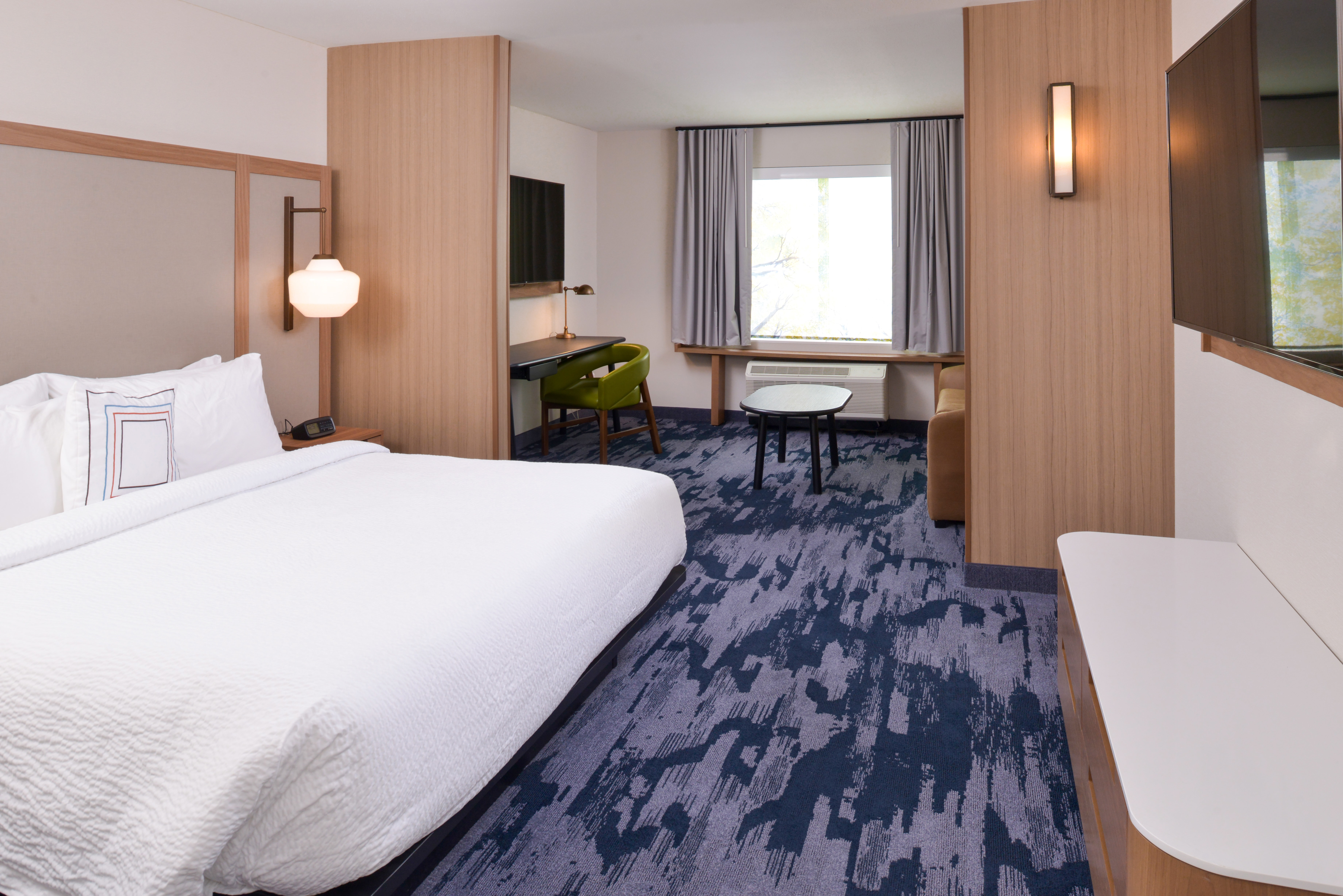 https://www.hotelsbyday.com/_data/default-hotel_image/3/15932/fis-cmhfg-kingsofabe-eagkz.jpg