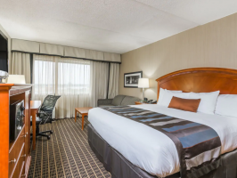 Hotel Wingate By Wyndham Springfield image