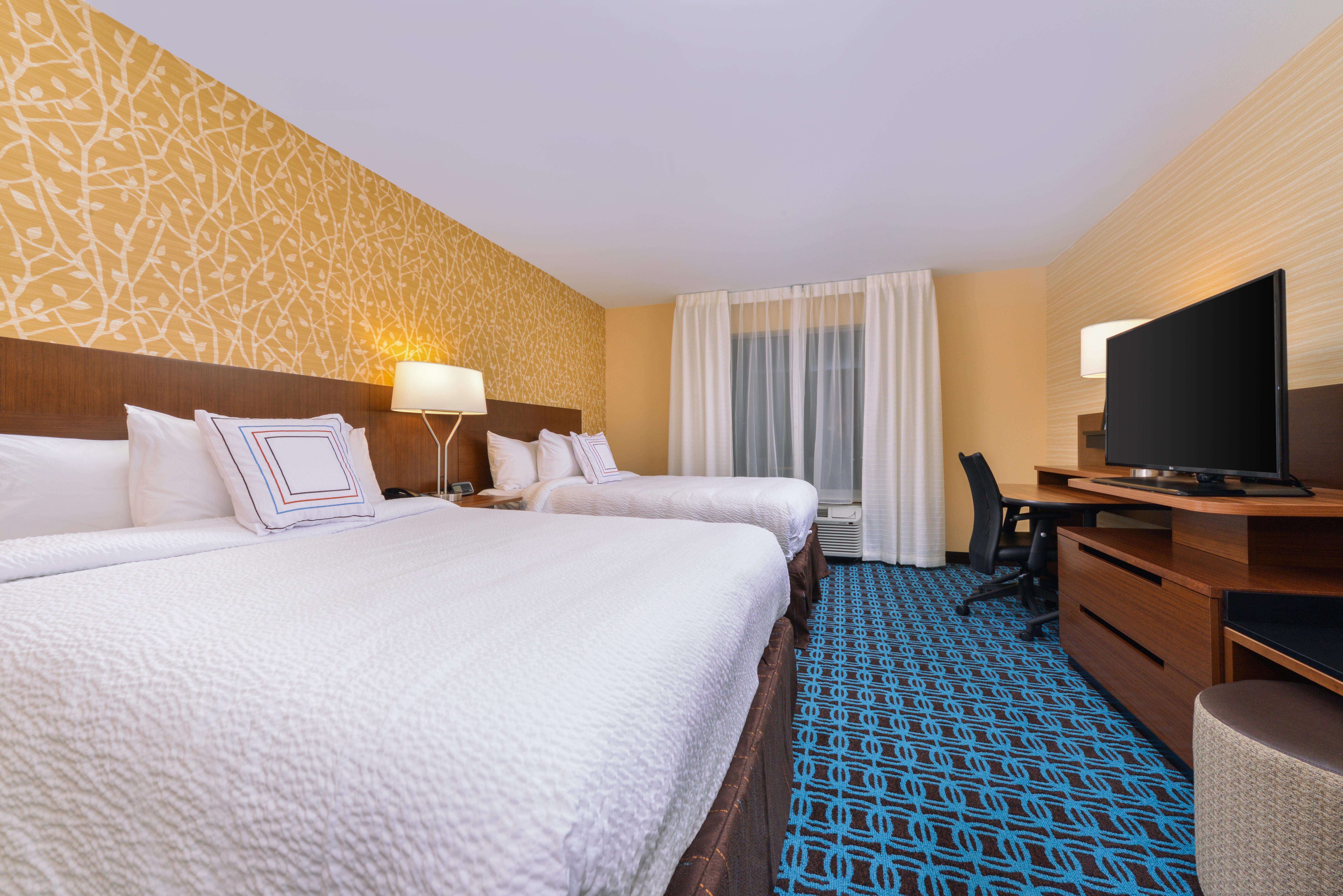 https://www.hotelsbyday.com/_data/default-hotel_image/3/16057/fis-cidco-2queen2.jpg
