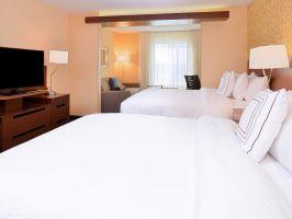 Hotel Fairfield Inn & Suites Martinsburg image