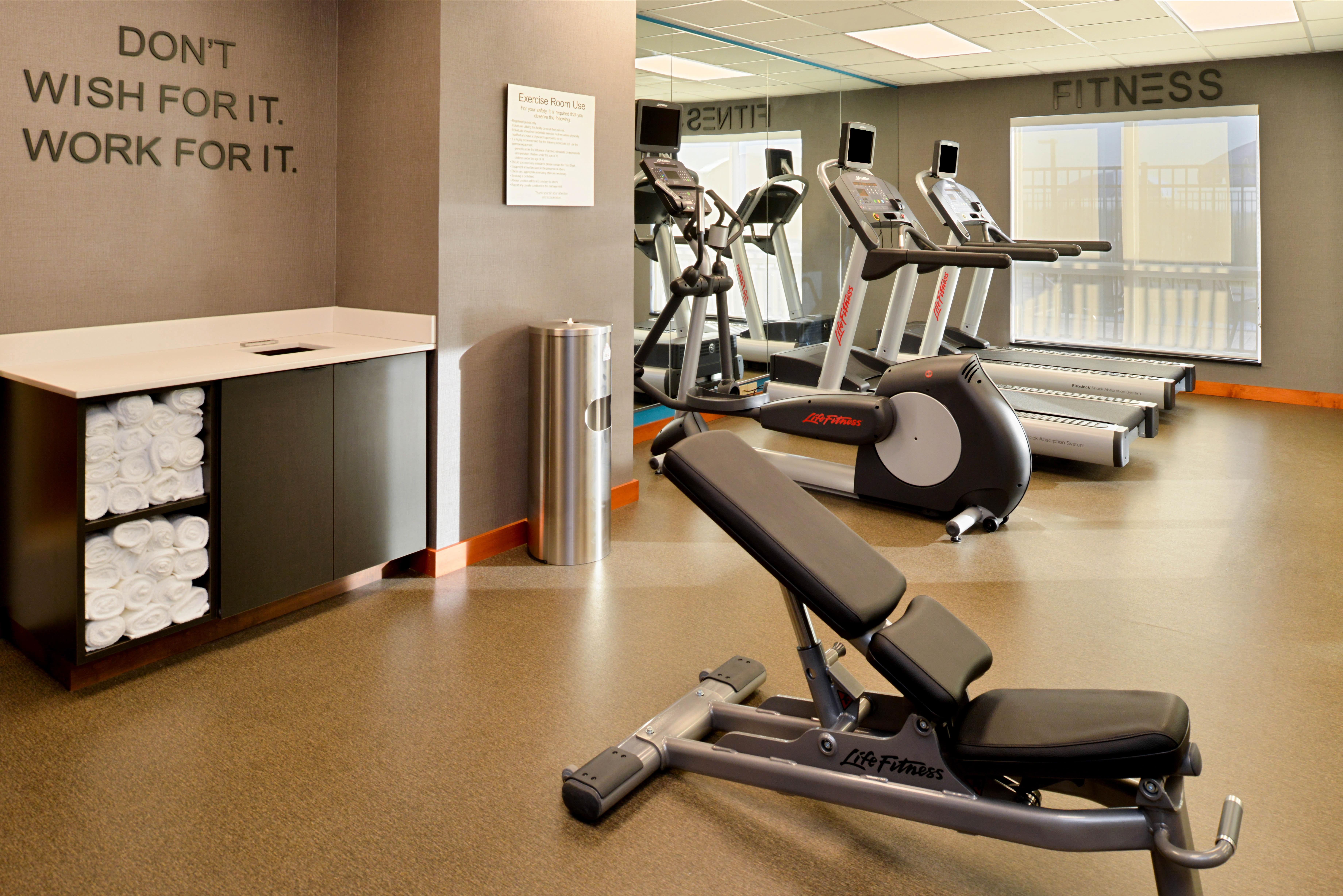 https://www.hotelsbyday.com/_data/default-hotel_image/3/16133/fis-hgrmb-fitnesscen-mzthl.jpg