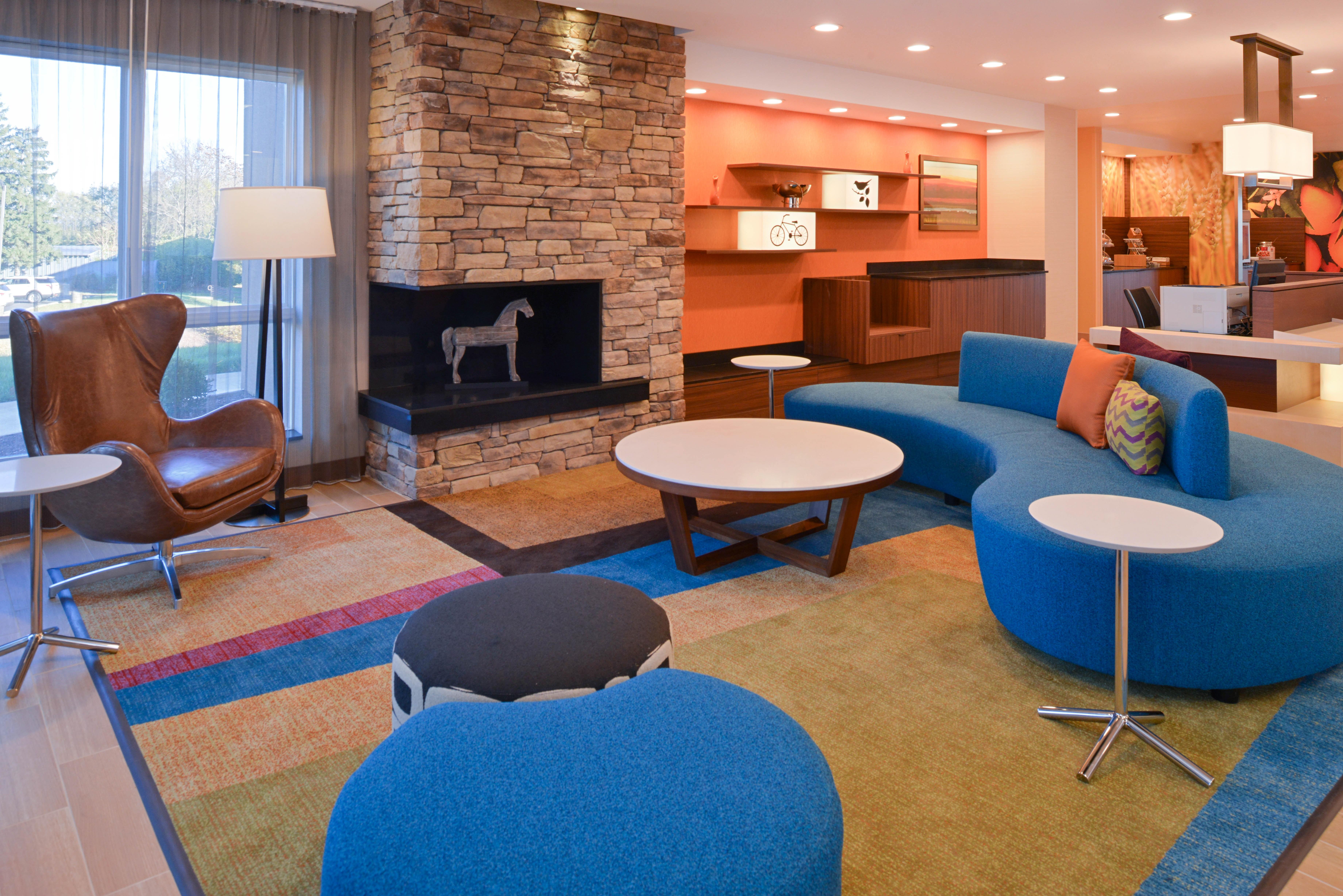 https://www.hotelsbyday.com/_data/default-hotel_image/3/16146/fis-hgrmb-lobby2.jpg