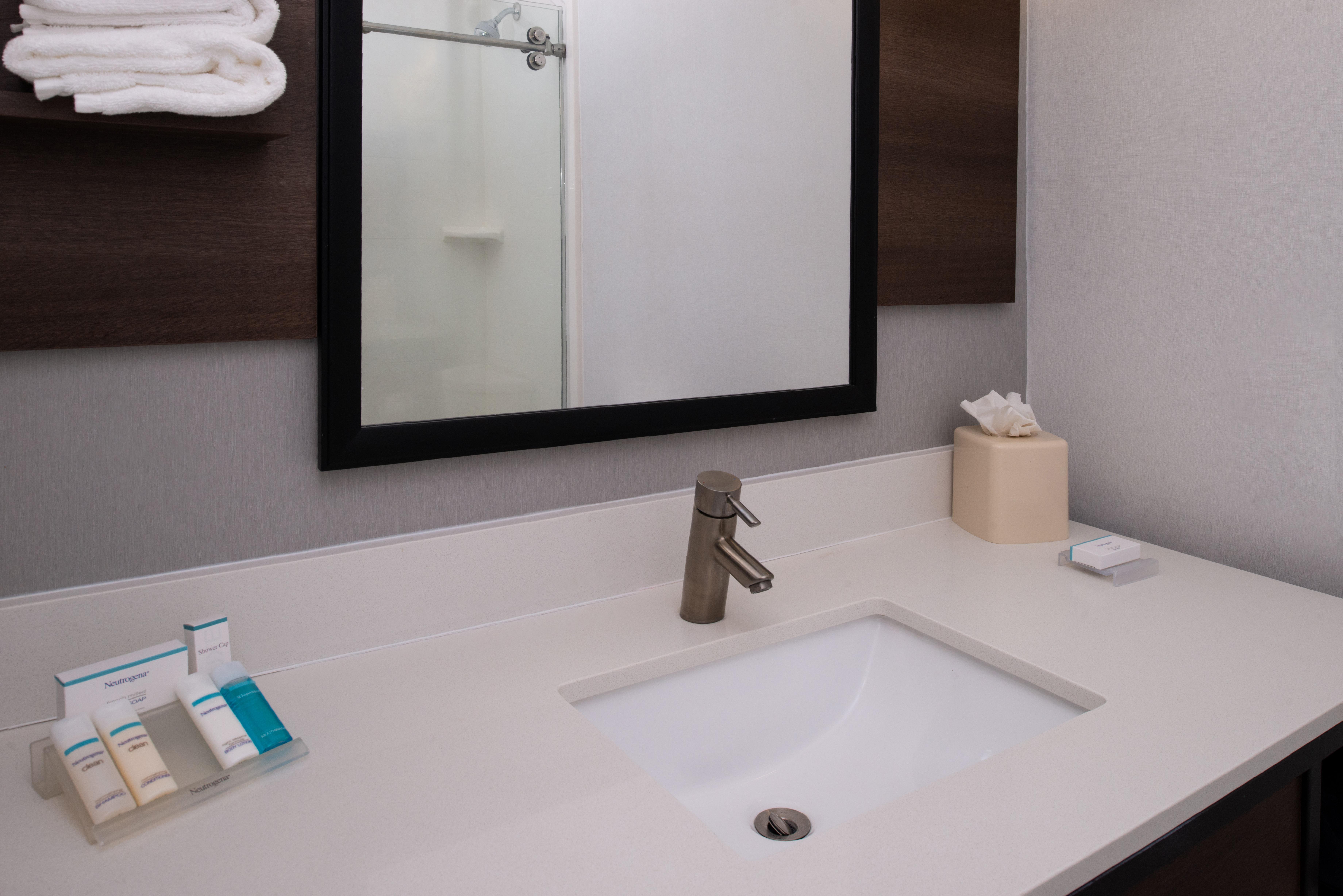 https://www.hotelsbyday.com/_data/default-hotel_image/3/16208/btrgigi-bathroom1.jpg